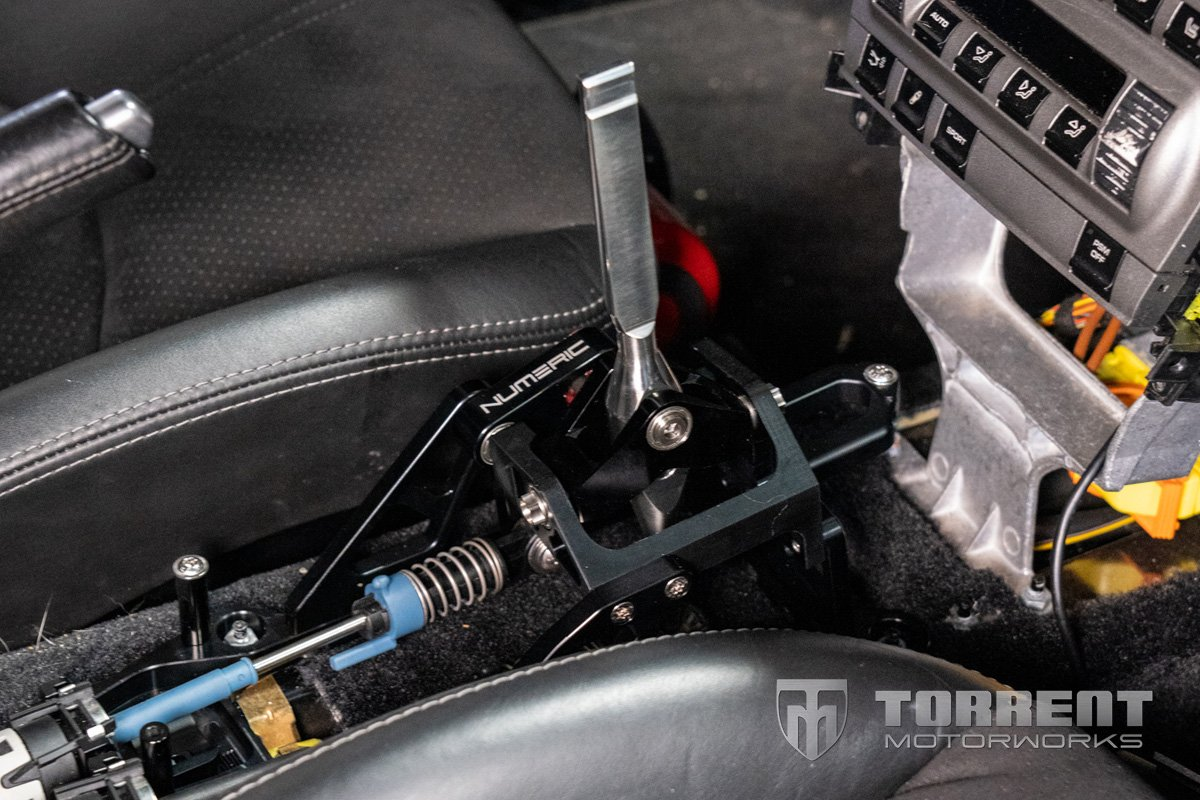 Numeric Porsche 911 short throw shifter (997)   Torrent Motorworks